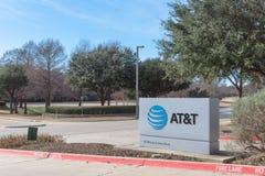 Ingang aan BIJ t-Opleidingscampus in Irving, Texas, de V.S. Royalty-vrije Stock Afbeeldingen