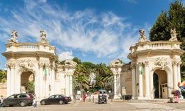 Ingang aan Bioparco-dierentuin bij de eeuw van Villaborghese 18 rome Royalty-vrije Stock Afbeeldingen