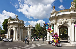 Ingang aan Bioparco-dierentuin bij Villa Borghese royalty-vrije stock foto