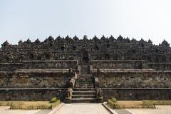 Ingang aan Borobudur-tempel, Java, Indonesië Stock Foto's