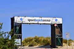 Ingang aan de arena van het sportstrand op het strand in de toevluchtstad van royalty-vrije stock fotografie