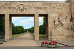 Ingang aan de Broersbegraafplaats in Riga, Letland Royalty-vrije Stock Foto's
