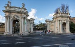Ingang aan de Dierentuin in het park van Villaborghese in Rome Royalty-vrije Stock Foto's