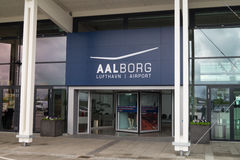 Ingang aan de Luchthaven van Aalborg Stock Fotografie