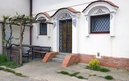 Ingang aan de moravian wijnkelder, Dolni Bojanovice royalty-vrije stock afbeeldingen