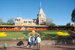 Ingang aan Disneyland royalty-vrije stock afbeeldingen
