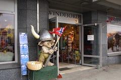 Ingang aan een herinneringswinkel in Bergen, Noorwegen Stock Afbeeldingen