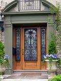 Ingang aan elegant huis Royalty-vrije Stock Afbeelding