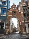 Ingang aan grote beguinage in Mechelen, België royalty-vrije stock fotografie