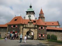 Ingang aan het kasteel Bouzov Stock Foto
