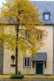 Ingang aan het klooster Steinhaus in Wuppertal-Beyenburg, Oktober 2016 royalty-vrije stock afbeeldingen