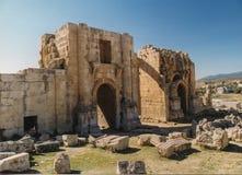 Ingang aan Jerash bij de Poort van Hadrian ` s Stock Afbeeldingen