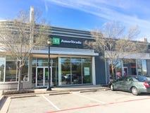 Ingang aan TD Ameritrade bijkantoor in Irving, Texas, de V.S. stock fotografie