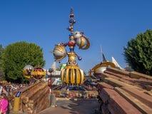 Ingang aan Tomorrowland bij het Disneyland Park Stock Fotografie
