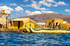 Ingang aan Uros Floating Islands stock foto
