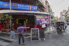 Ingang bij populaire bar in Phnom Penh Royalty-vrije Stock Foto
