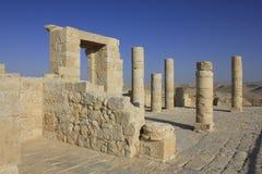 Ingang van Balcon bij roman dorp van Avdat Stock Foto's