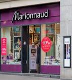 Ingang van de Marionnaud-opslag op de Bahnhofstrasse-straat Stock Afbeelding
