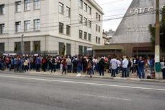 Ingang van de studenten aan de ENEM-test in Sao Paulo Stock Fotografie