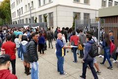 Ingang van de studenten aan de ENEM-test in Sao Paulo Royalty-vrije Stock Afbeeldingen
