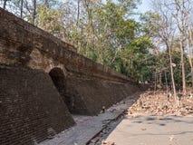 Ingang van de tunnel van de steenbaksteen royalty-vrije stock fotografie