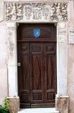 Ingang van een Corsicaans huis stock foto's