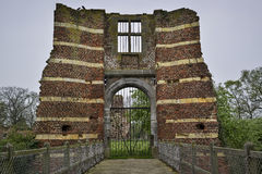 Ingang van een ruïne Stock Afbeeldingen