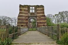 Ingang van een ruïne Royalty-vrije Stock Afbeeldingen