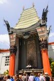 Ingang van het Chinese Theater van Grauman s in Hollywood stock afbeelding