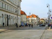 Ingang van Krakowskie Przedmiescie aan de Oude Stad van Warshau stock fotografie