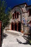 Ingang van orthodoxe kerk in Pefkochori, Griekenland Stock Foto's