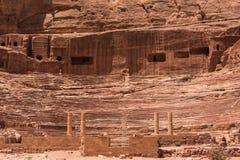 Ingang van Petra Theater, Jordanië stock foto's