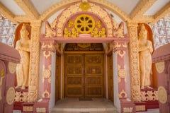 Ingangsdeur aan binnenstupa in Myanmar tempel royalty-vrije stock fotografie
