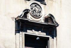 Ingangsdeur, fragment van oude kathedraal, de mening van de stad van Catanië, Sicilië, Italië stock fotografie