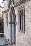 Ingangsdeur van oud paleis in dei Priori van Perugia Palazzo stock foto