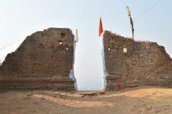 Ingangspoort op Parnera-Heuvel dichtbij Valsad, Gujarat royalty-vrije stock afbeeldingen