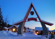 Ingangspoort in Santa Claus Holiday Village Houses Lapland Royalty-vrije Stock Foto