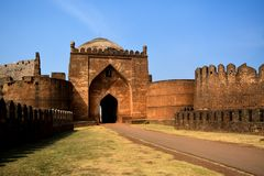 Ingangspoort van Bidar-Fort in Karnataka, India stock foto