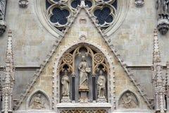 Ingangsportaal van de kathedraal van Zagreb royalty-vrije stock foto