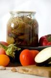 Ingeblikte groenten die de tomatenknoflook snijden van de raadspompoen Royalty-vrije Stock Fotografie