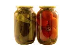 Ingeblikte groentenkomkommers en tomaten Royalty-vrije Stock Foto