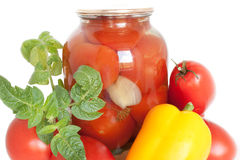 Ingeblikte tomaten Royalty-vrije Stock Afbeeldingen
