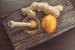 ingefära, citron och honung royaltyfria bilder