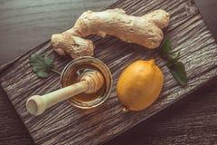 ingefära, citron och honung royaltyfri bild