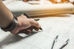 Ingegneria e strumenti di disegno fotografie stock