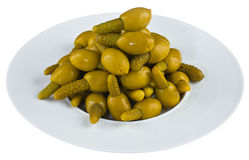 Ingelegde olijven in witte plaat Royalty-vrije Stock Fotografie