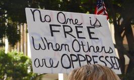 Ingen är fri, när andra förtryckas Royaltyfria Bilder