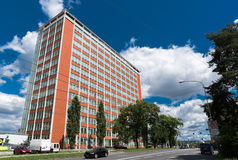 Ingen arkitektonisk design av administrativ byggnad 21 i Zlin, tjeckiska Reublic Fotografering för Bildbyråer