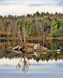 Ingen Autumn Adirondack Lake Water Reflections 13 Arkivbilder