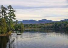 Ingen Autumn Adirondack Lake Water Reflections 13 Arkivfoto